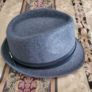 Other - Mens gray hat
